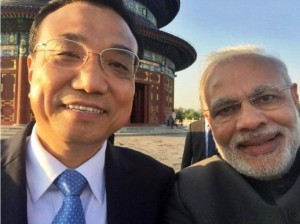 Modi's selfie with chinese premier Li.